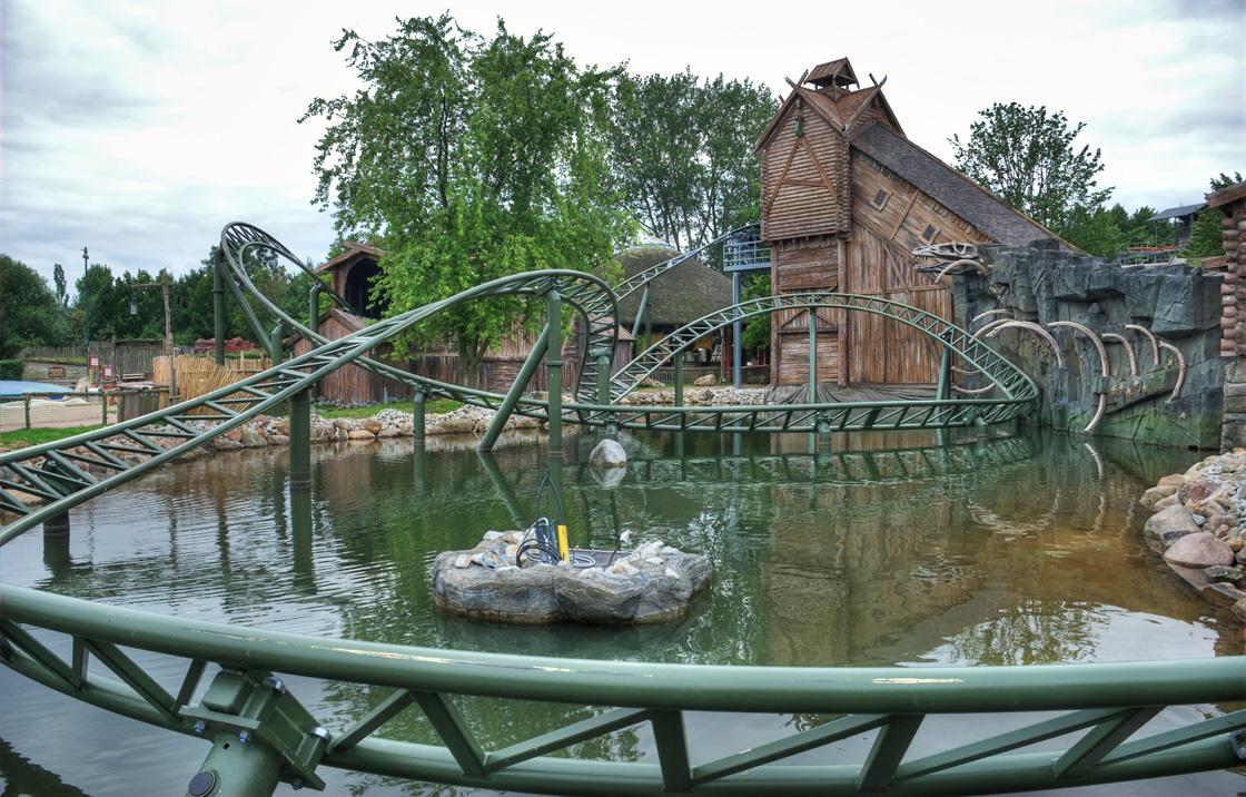Ansicht der Schlange von Midgard im Hansa Park von der Seeseite